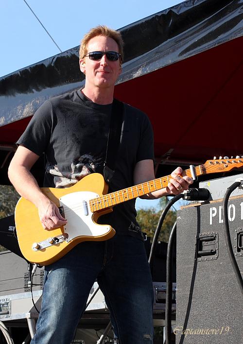 Country Lead Guitarist : lead guitarist for country star sara evans brent wilson mario guitars ~ Hamham.info Haus und Dekorationen